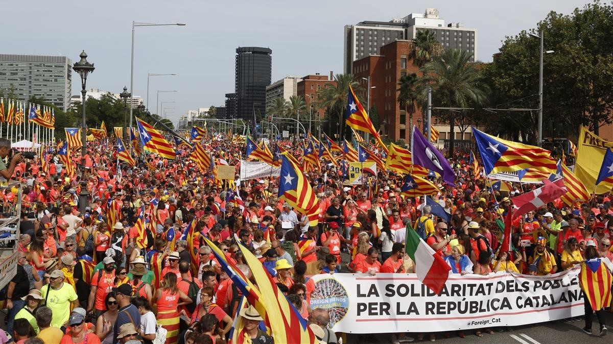 La cabecera de la manifestación de la Diada en Palau Reial, a las 16 horas.