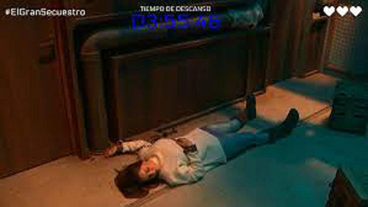 La cantante Ruth Lorenzo, supuestamente desmayada, es la protagonista del secuestro ficticio de Playz, la plataforma digital de RTVE.
