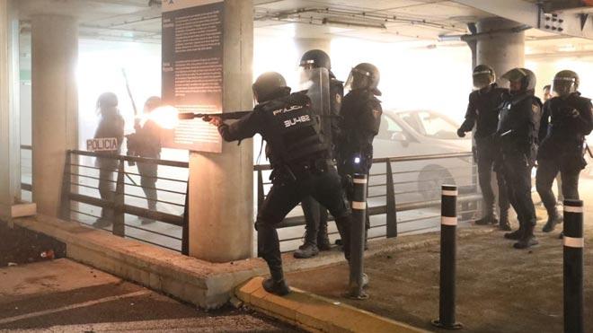 Cargas policiales en el Aeropuerto de Barcelona