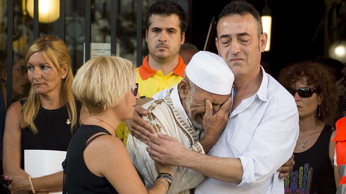 """El pare del Xavi, el nen de 3 anys mort a la Rambla: """"Necessito abraçar un musulmà"""""""