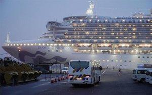 El cruceroDiamond Princess en el puerto de Yokohama, Japón.