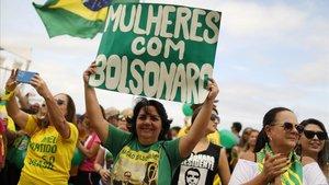 Seguidoras del candidato ultraderechista Jair Bolsonaro en un acto electoral el pasado 29 de septiembre en Río de Janeiro