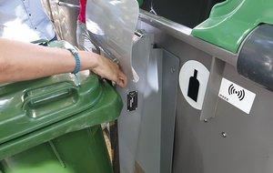 Esplugues inicia una campanya per augmentar la recollida de residus de grans productors