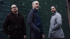 Ethan Iverson, Reid Anderson y Dave King, en una imagen promocional de The Bad Plus