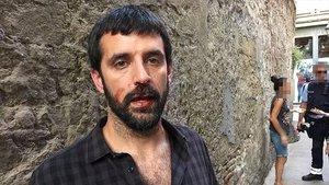El fotoperiodista Jordi Borràs, tras ser agredido el pasado 16 de julio.