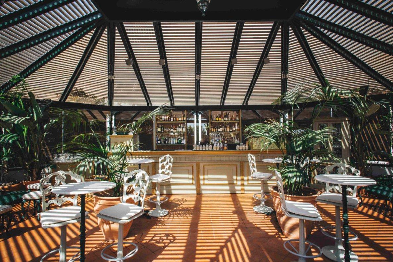 Una de las zonas de la terraza del Hotel El Palace.