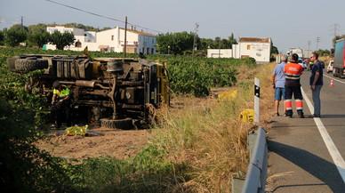 El voluntario forestal que murió en la N-340 conducía un camión vetado por la Generalitat