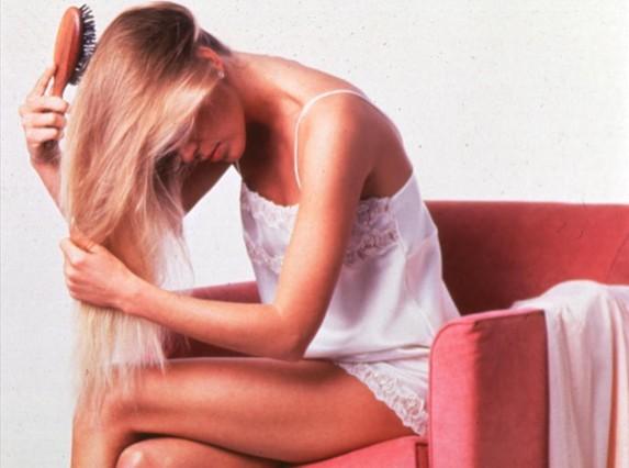 Infusió d'ortiga i romaní contra la caiguda dels cabells