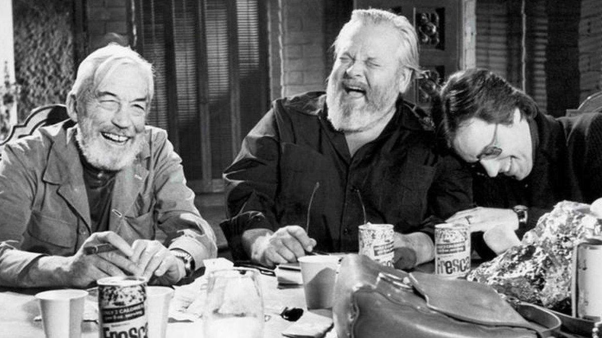 John Huston, Orson Welles y Peter Bogdanovich, en 'Al otro lado del viento'