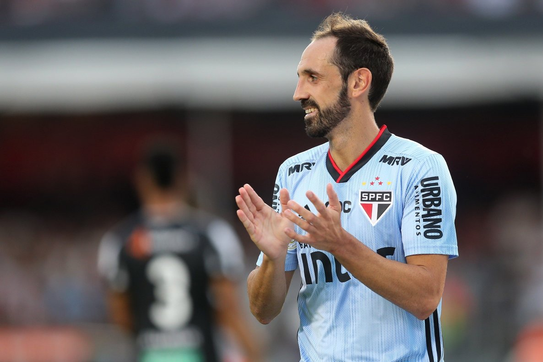 Juan Francisco Torres, de34 años, aceptó el desafío de disputar la Liga brasileña.