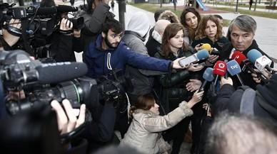 La defensa de 'la Manada' retira el informe de los detectives sobre la chica