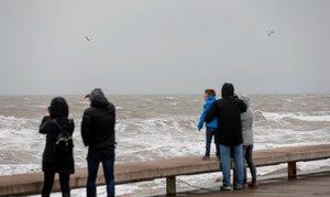 Lluvias y fuertes vientos en el área mediterránea.