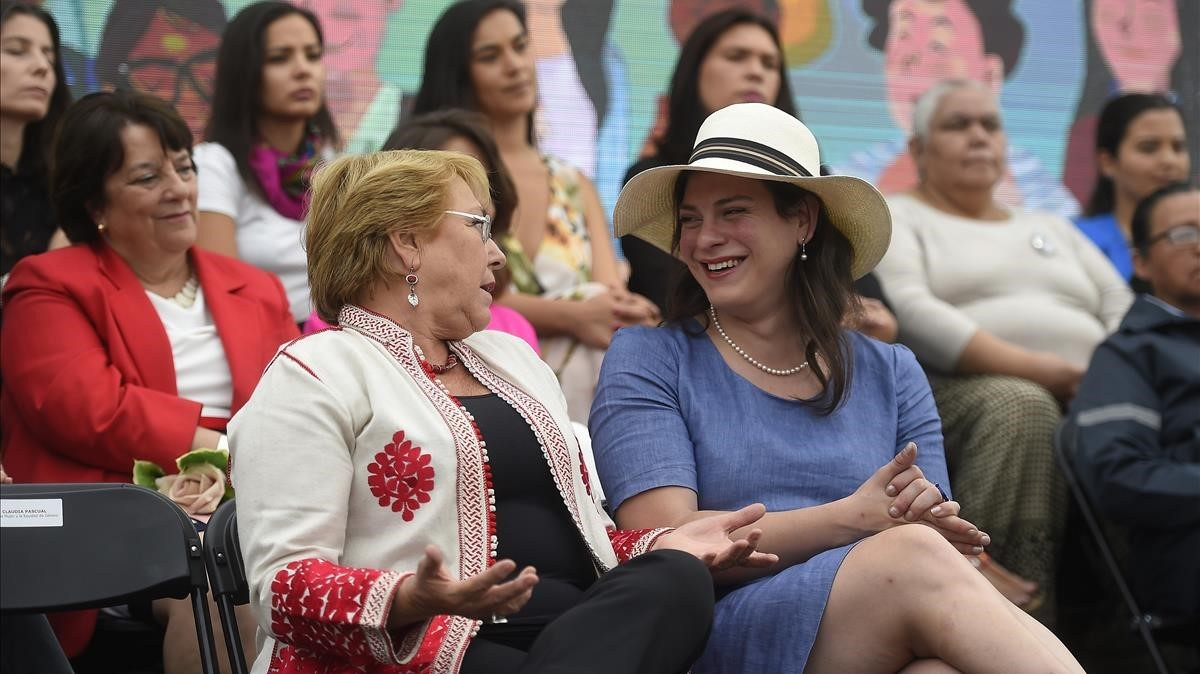 Michelle Bachelet y Daniela Vega, el 8 de marzo.