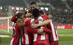Los jugadores del Girona celebran el primer gol al Leganés.