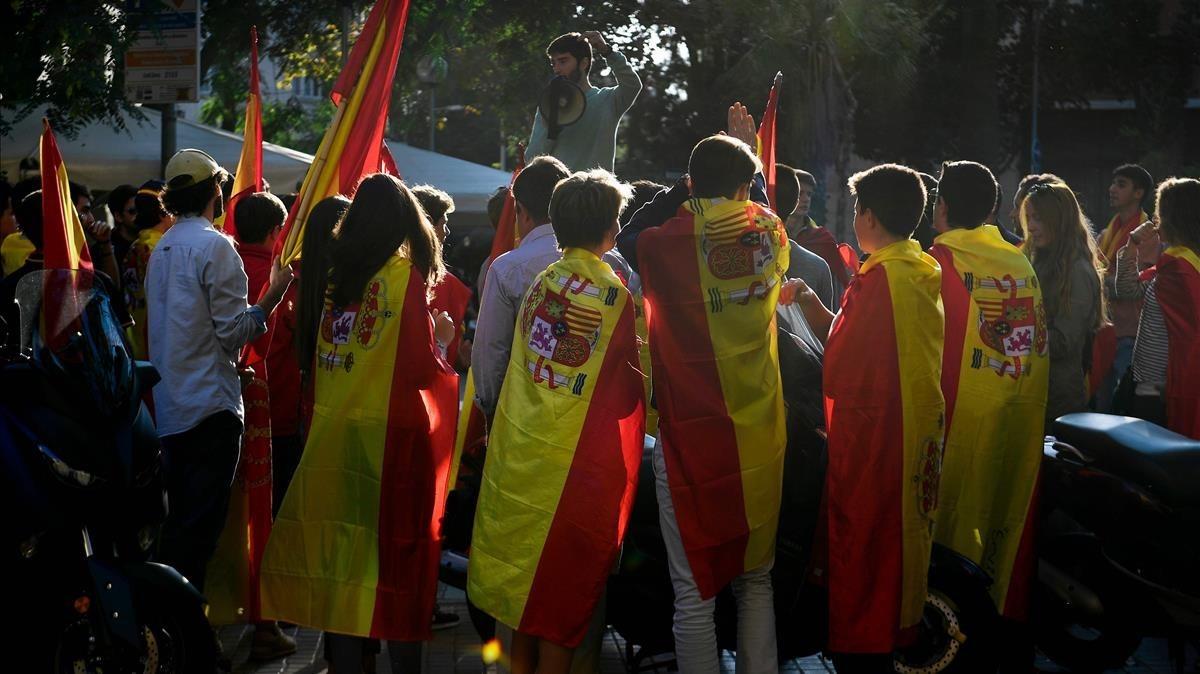 Las mejores imágenes de la marcha en Barcelona contra la DUI