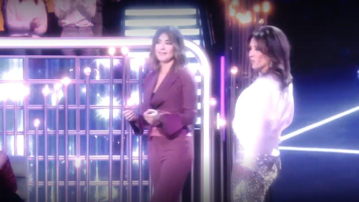 El baile de Sandra Barneda y Nagore Robles en el último debate de 'GH VIP' que acabó con un romántico beso