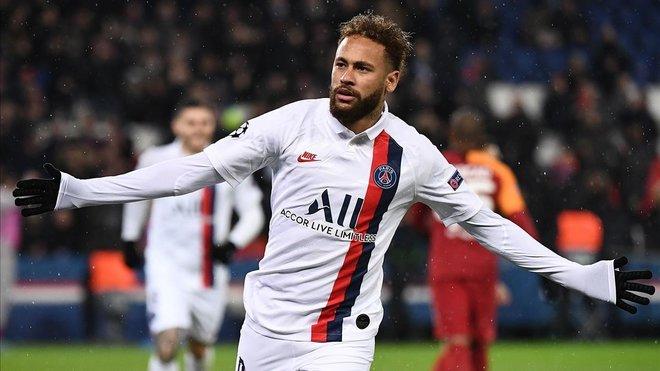 Neymar celebra su gol al Galatasaray en el Parque de los Príncipes parisino.