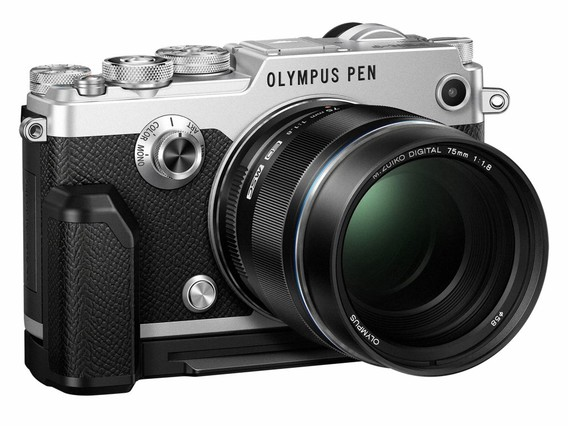 Olympus anuncia la cámara Pen-F: diseño retro pero con altas prestaciones