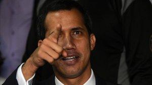 El opositor Juan Guaidó ha quedado en el ojo de la tormenta por la fallida incursión armada.