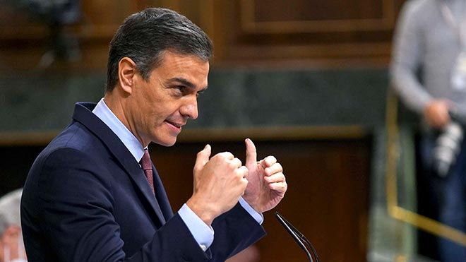 Pedro Sánchez pide formalmente a Pablo Casado que vote no en la moción y corte con la ultraderecha.