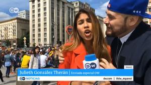 Assetgen tres periodistes mentre informaven sobre el Mundial en directe