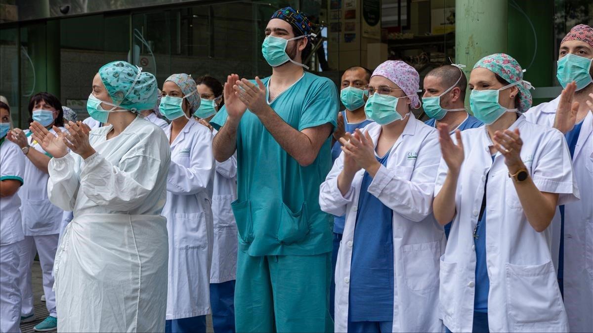 Personal sanitario del Hospital Clínic, en el día de la enfermería.
