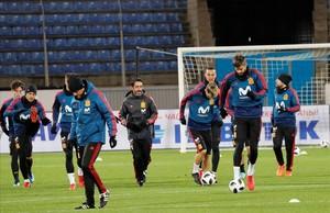 Piqué, Luis Alberto, Rodrigo y Alba, durante el entrenamiento en el estadio Petrovsky.