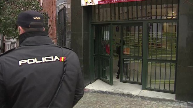 La Policía Nacional investiga el intento de secuestro de una niña de once años en el colegio Sagrada Familia.