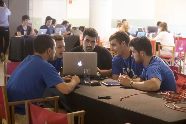 Primer hackapp de apps4citizens con la complicidad de Hacks/Hackers celebrado en Barcelona