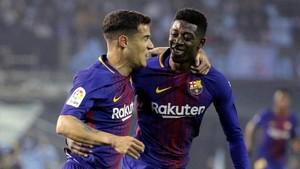 Coutinho felicita a Dembele por su gol.