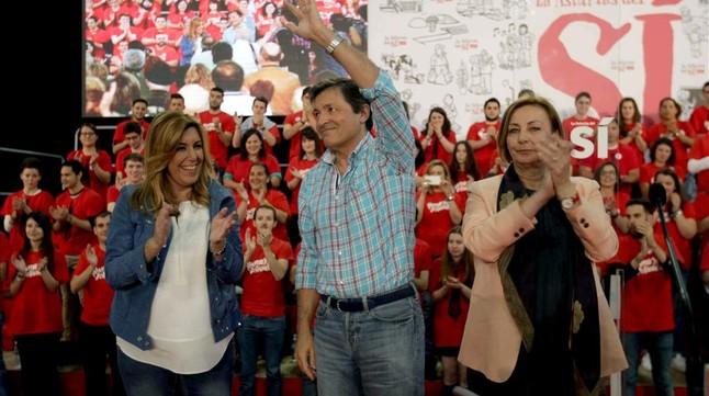 Susana Díaz, este jueves, 14 de mayo, por la tarde en un mitin en Avilés (Asturias), junto a la candidata socialista a la alcaldía, Mariví Monteserín, y el candidato a la reelección como presidente de la comunidad.