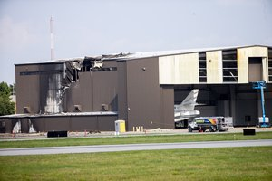 El sitio donde se estrelló un avión bimotor en Texas, EEUU. AP