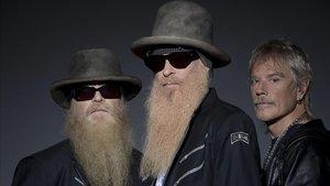 ZZ Top, en una imagen promocional, con Dusty Hill, Barry Gibbons y Frank Beard.
