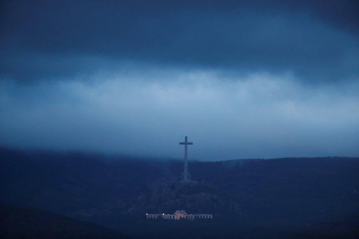 El Valle de los Caídos, presidido por la gran cruz, el 24 de octubre de 2019, el día de exhumación de Francisco Franco.