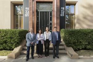La ministra Reyes Maroto posa la planta Roca de Gavà i Viladecans com a exemple de negoci familiar convertit en referent internacional