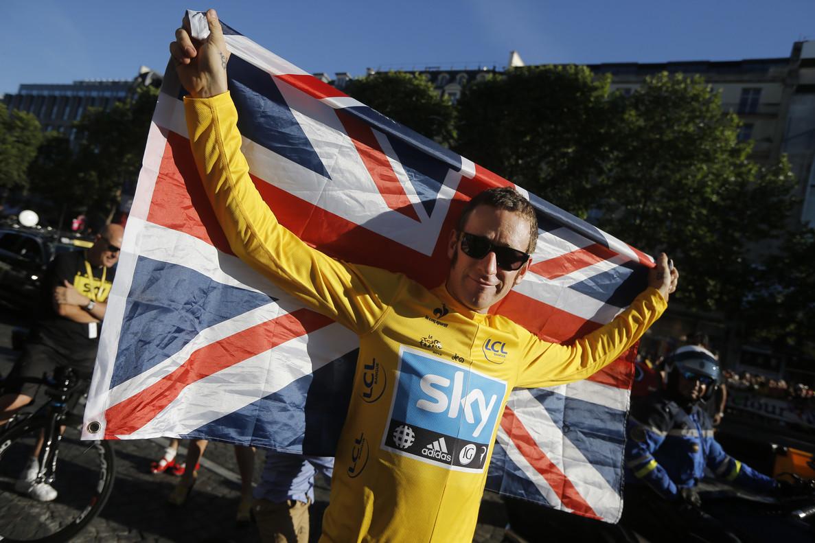 Brad Wigggins, en París, tras ganar el Tour del 2012.