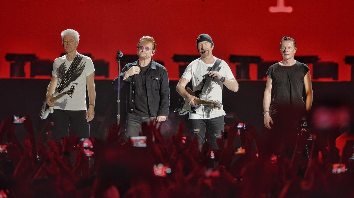 Actuación de U2en el Estadi Olímpic.