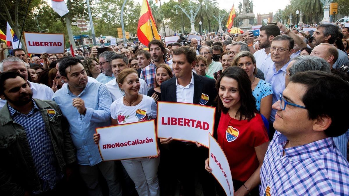 Los dirigentes de Ciutadans, en la manifestación contra la agresión en la Ciutadella