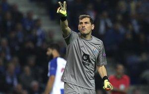 Casillas, en un partido del Oporto contra el Schalke 04 el pasado noviembre.
