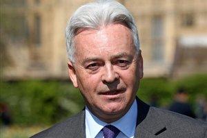 Dimiteix el número dos d'Exteriors britànic per oposició a Johnson