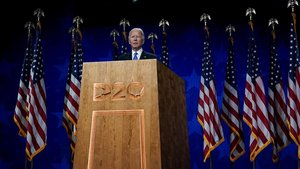 Biden promet «tornar la llum» als EUA amb un discurs a l'altura del moment