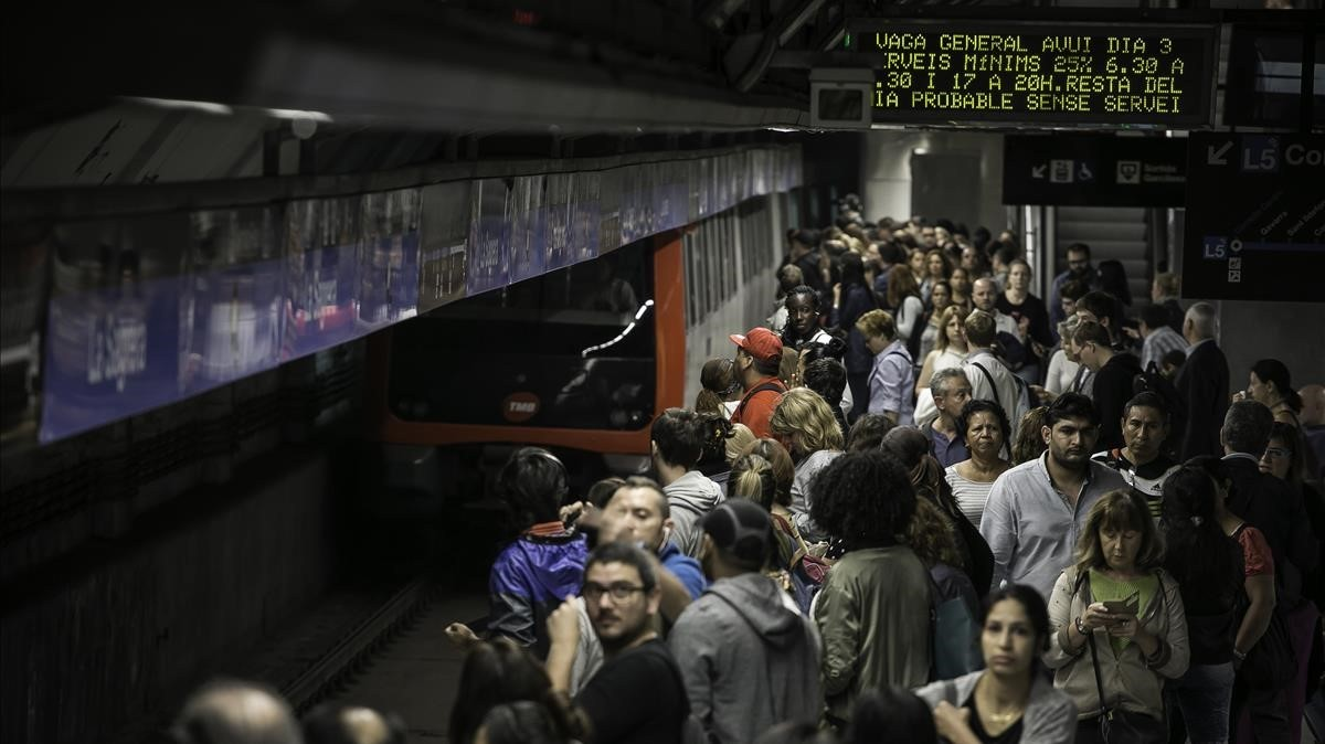 zentauroepp40398526 barcelona 03 10 2017 huelga vaga general las afectacio180306122917