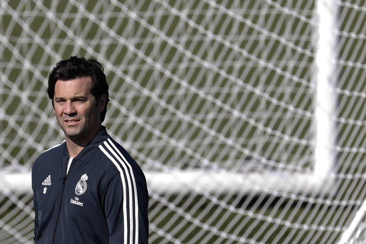 El técnico Santiago Solari durante el último entrenamiento del Madrid.