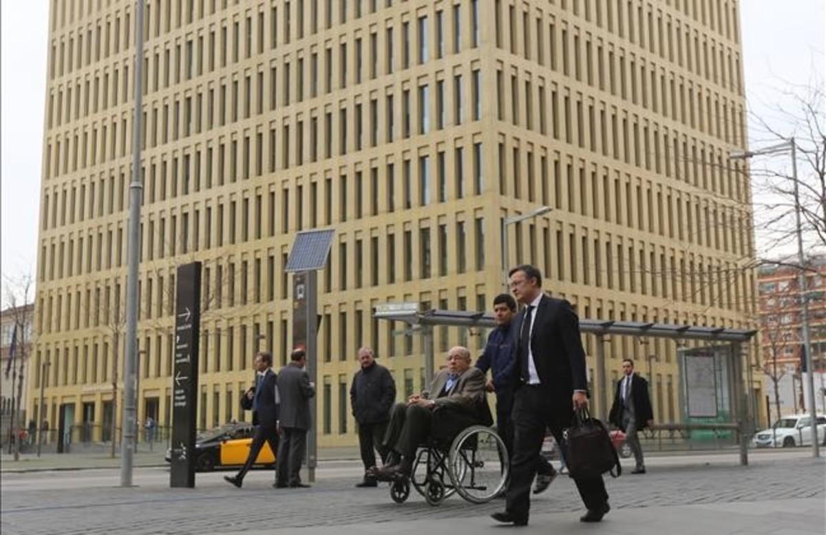 Fèlix Millet, a su llegada a la Ciutat de la Justícia, donde ha declarado en el juicio del caso Palau.