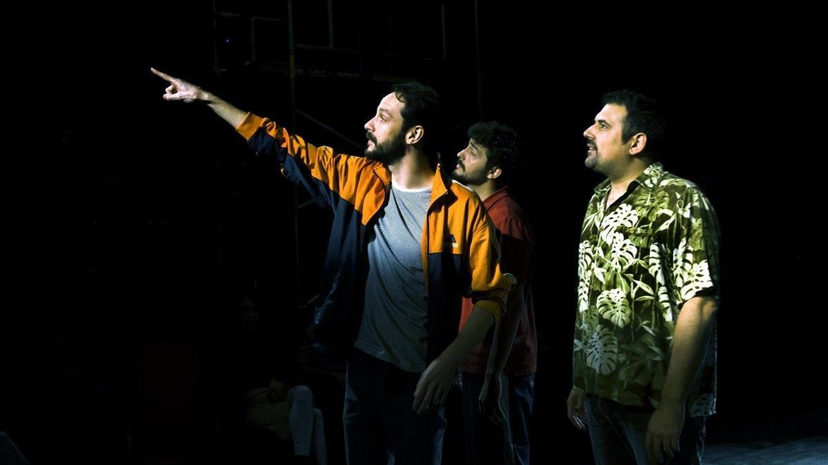 Albert Prat, Sergi Torrecilla (al fondo) y Alberto Díaz, en el Espai Lliure.