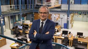Alfonso Lluzar, presidente del Col·legi Oficial de Gestors Administratius de Catalunya, en la redacción de EL PERIÓDICO.