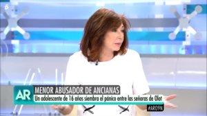 """Ana Rosa se mosquea porque un reportero llama 'ancianas' a mujeres de 60 años: """"No me toques las narices"""""""