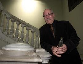 Andreu Martín, este miércoles en el Departament dInterior, tras recibir el Premi Crims de Tinta.