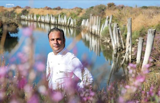 El nuevo Premio Nacional de Gastronomía, en el parque de las marismas de Los Toruños, en El Puerto de Santa María.