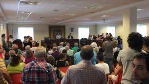 Asistencia masiva en el pleno del Ayuntamiento de Sada, este sábado.